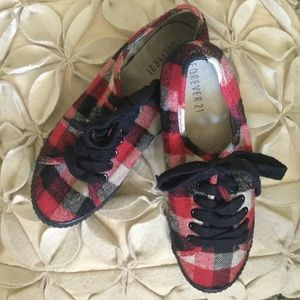 Forever 21 Red Black Buffalo Plaid Sneakers Size 7